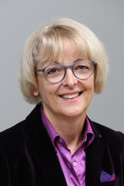 Hiller, Dr. Petra